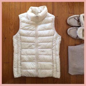 Uniqlo women's ultra downlight vest puffer jacket